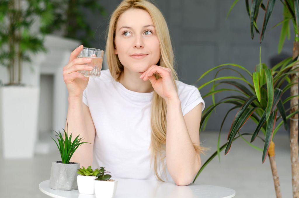 """Trop de nourriture, trop de pression, trop d'activités : le jeûne soulage les maladies du """"trop""""…"""