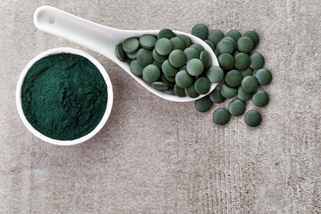 Très riche en protéines et antioxydants (entre autres), la spiruline est considérée comme un super booster de notre organisme.